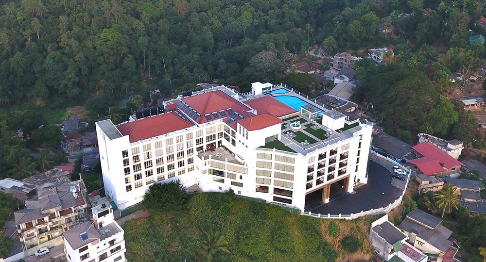 Grand kandyan hotel kandy sri lanka - Grand hotel sri lanka ...