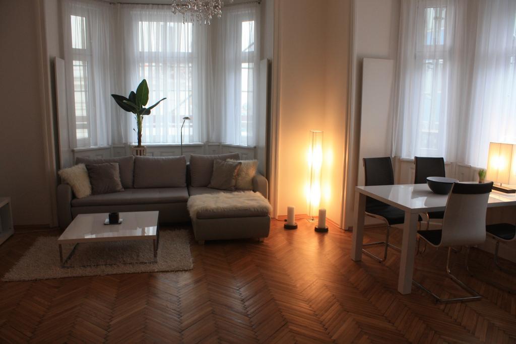 Design apartment sch nbrunn vienna austria for Designer apartment vienna